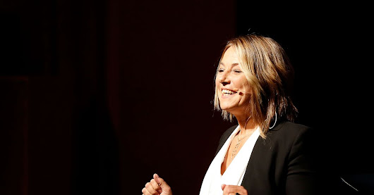 Tinder and Instagram are 'crippling' relationships, sex therapist Esther Perel says