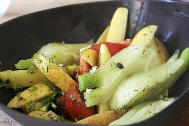 Gemüse in der Bratschale Lékué