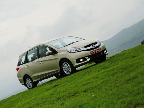 Honda Mobilio Review front three quarter