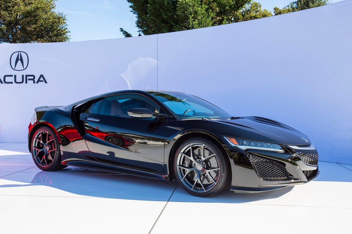2017-Acura-NSX-at-The-Quail-2015-front-three-quarters-03