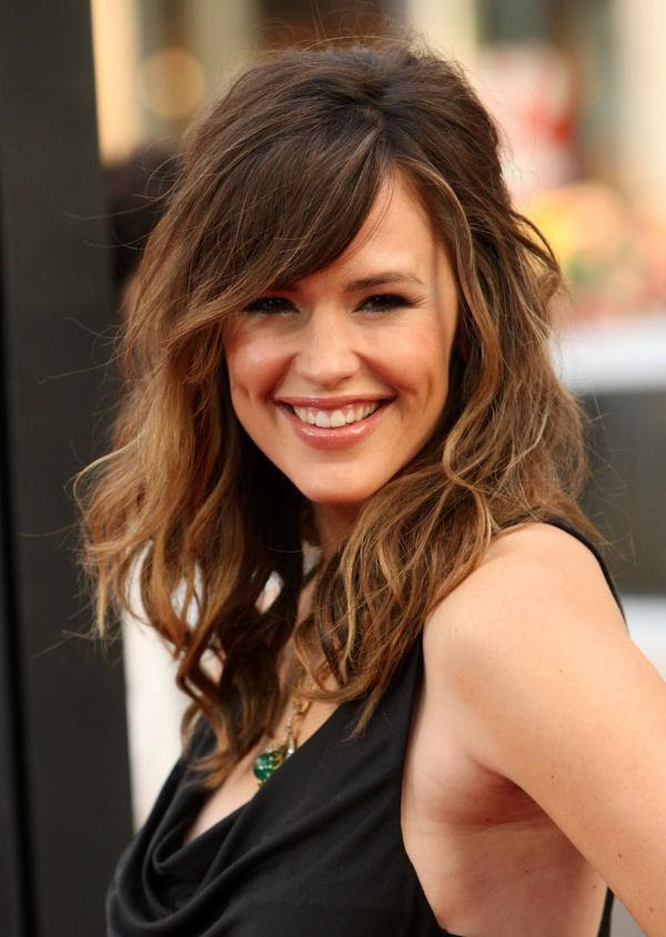 Celebrity Haircuts for Oval Face Shapes  You\u002639;re Beautiful