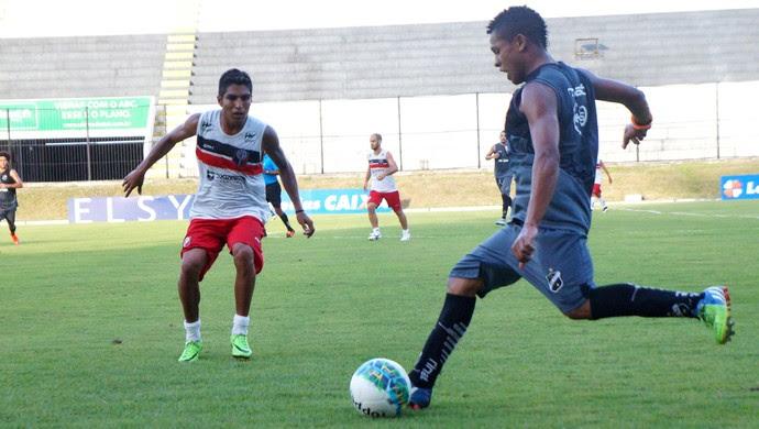 RN - Santa Cruz de Natal vence segundo jogo-treino contra ABC por 2 a 0 (Foto: Divulgação)