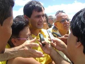 Romero Rodrigues em Campina Grande (Foto: Taiguara Rangel/G1)