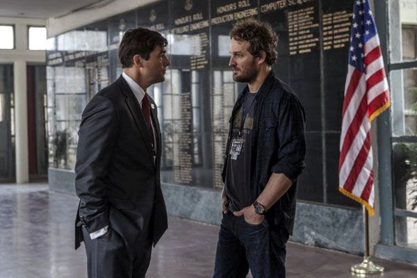 Dan confers with CIA Station Chief Joseph Bradley (Kyle Chandler) in Pakistan...in ZERO DARK THIRTY.