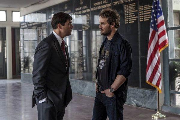 Dan confers with CIA Station Chief Joseph Bradley (Kyle Chandler) in Pakistan...in ZERO DARK THIRTY.