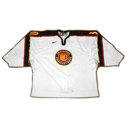 Germany 99-00 Mulller jersey photo Germany99-00MulllerFjersey.jpg