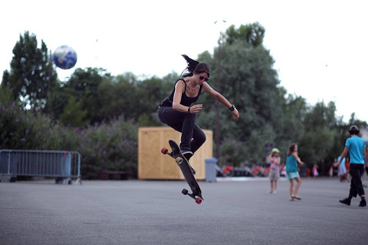 LGC France – Cécile Lahaie Rock'N'Rolling in Bordeaux »  Blog Archive » Longboard Girls Crew