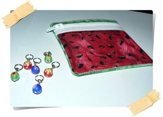 Little notions zipper pouch whit 6 stitch markers