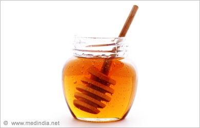 Natural Tip to clear Blackheads: Honey