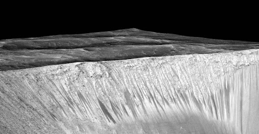Process Behind Martian Streaks Continues To Puzzle - Universe Today