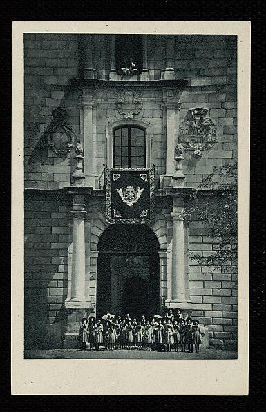 Fachada del Hospital Tavera a mediados del siglo XX. Fotografía de Rodríguez