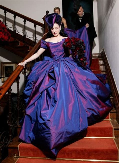 October « 2011 « Lady Violette
