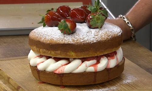 James Martin French strawberry sponge cake with cream and ...