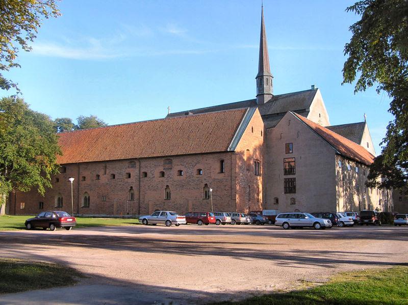 File:Vadstena-kloster.jpg