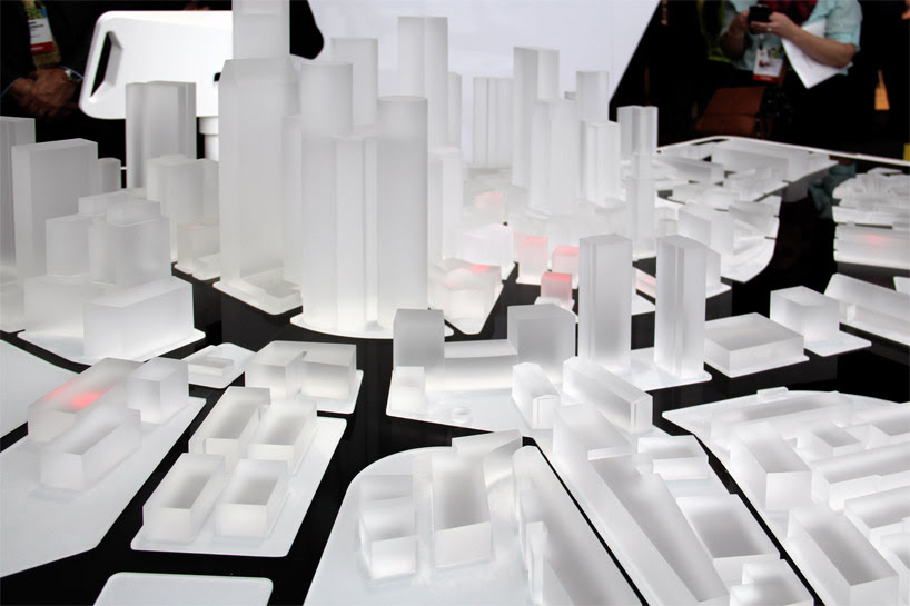 audi-urban-future-initiative-interactive-exhibit-CES-electronics-fair-2014_designboom13