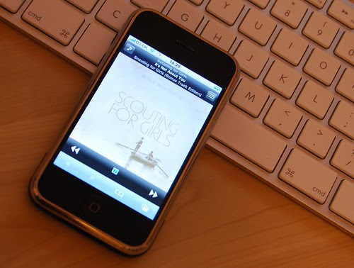 Signal remote iTunes controller on iPhone
