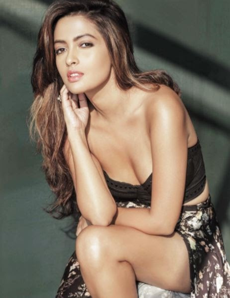 Riya Sen (Photo: Instagram)