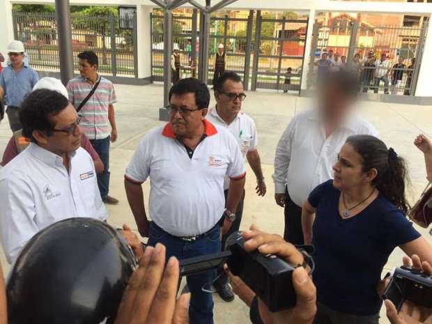 GOBERNADOR REGIONAL Y EQUIPO DE FUNCIONARIOS