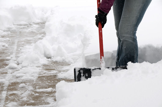 How to Remove Ice From Your Driveway and Sidewalk