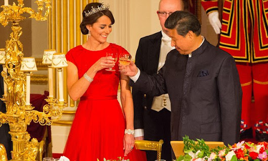Duchess arrives at Buckingham Palace for state banquet with Xi Jinping