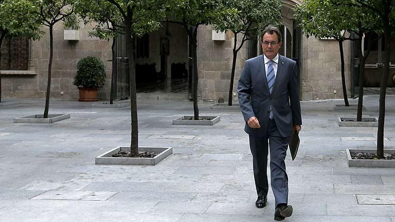Rajoy recibe a Mas en la Moncloa con la amenaza de un posible adelanto electoral