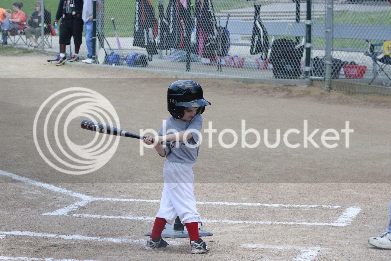 photo baseball19_zpsv410qdal.jpg
