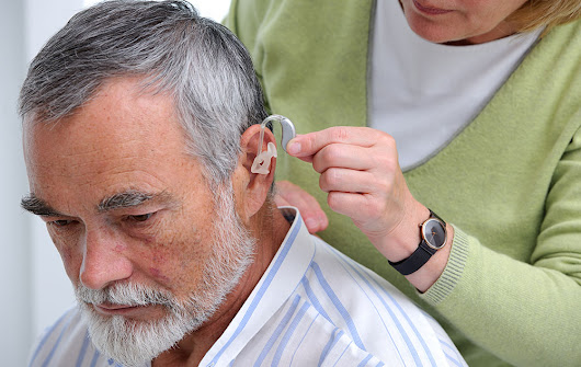 4 Tips to Adjusting to Hearing Aids