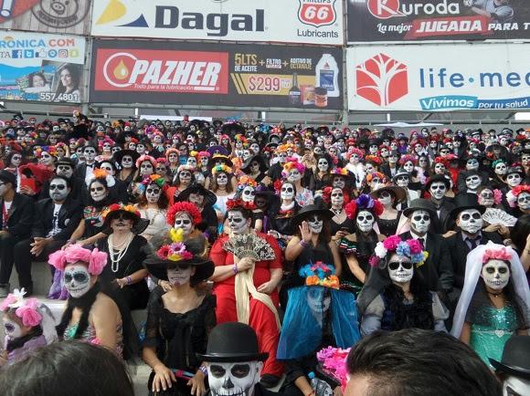 México Se Convierte En La Sede De Dos Récords De Catrinas Y Catrines