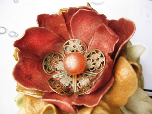 Colors of autumn flower hairpin