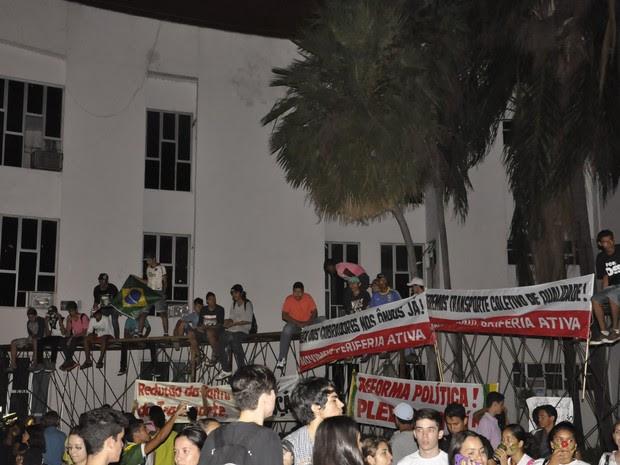 Manifestação em Cuiabá (Foto: Dhiego Maia/G1)