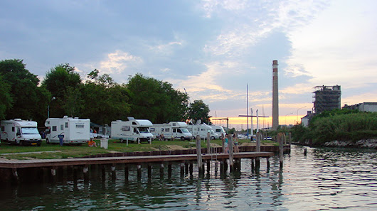 Fusina: Camping next to industrial ruins, overlooking Venice.