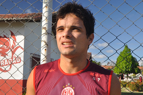 O América tem contrato com Norberto até 2014