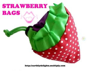 bags that fold into a cute strawberry