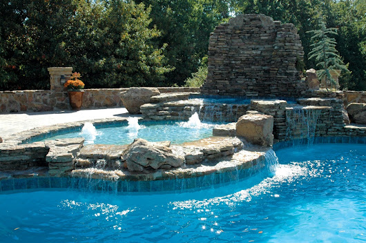 Compare Tanning Ledge Options For Your Swimming Pool