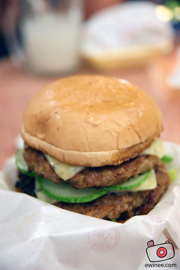 Burger-BABI-pork-burger-Ming-Tien-taman-Megah-4