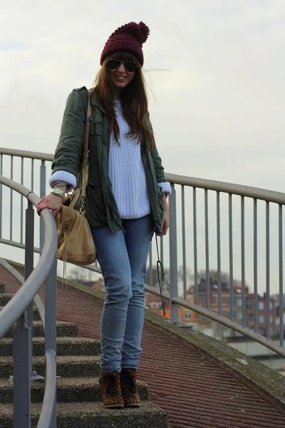 Magenta-beanie-zara-hat-white-knitted-river-island-sweater