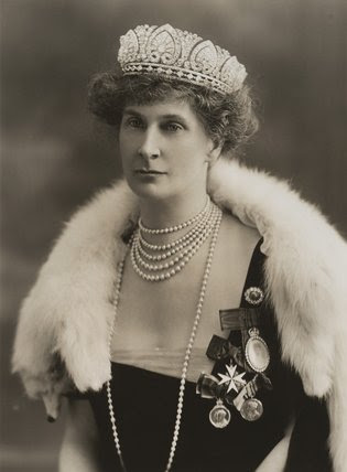 Evelyn Emily Mary Cavendish (née Petty-Fitzmaurice), Duchess of Devonshire