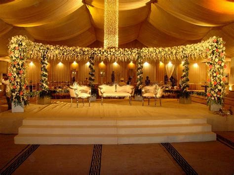 Best Wedding Stage Decoration with Flowers ? OOSILE