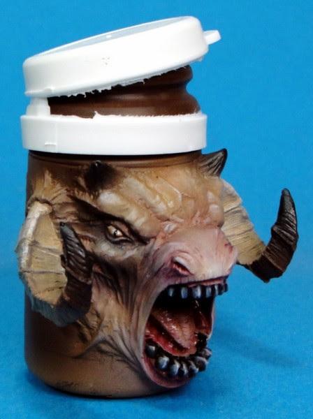 Retour - Monstropot sculpté par Arnaud Bellier et peint par  Mohand