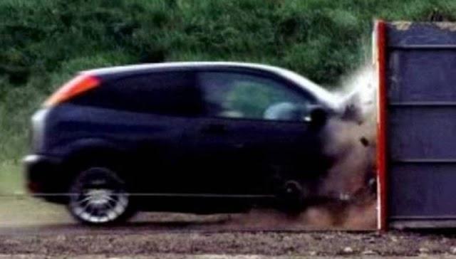 Πόσες ΠΙΘΑΝΟΤΗΤΕΣ επιβίωσης υπάρχουν σε ΣΥΓΚΡΟΥΣΗ αυτοκινήτου με 190 χλμ/ώρα; (ΒΙΝΤΕΟ)