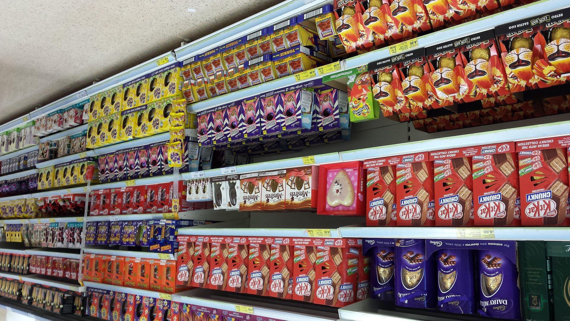 photo Easter-eggs-on-supermarket-shelves-2_zpso26h9miy.jpg
