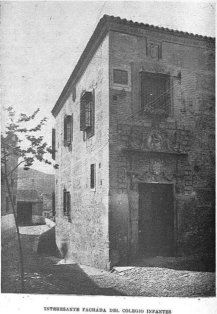 Colegio de Infantes. Fotografía de Narciso Clavería publicada en mayo de 1930 en la Revista Toledo