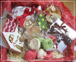 「Farina」さんのお菓子便。クリスマスもの沢山♪