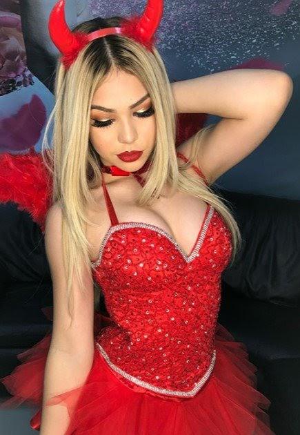 Gostosa de vestido vermelho 1 - 2 8