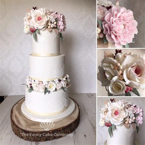 Cake Gallery   Photos of Wedding Cakes   Multi layer Cakes
