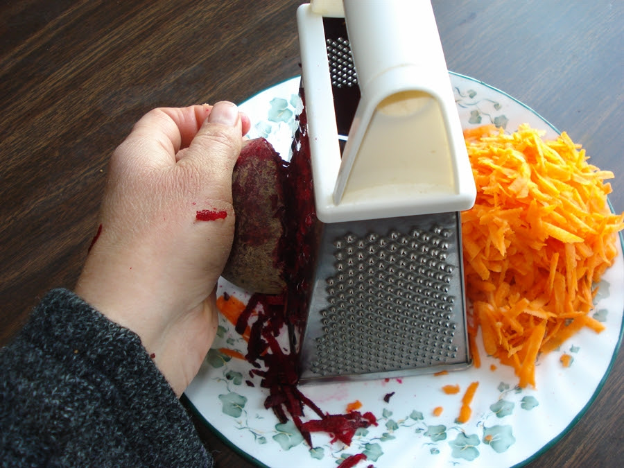 03 grating beets