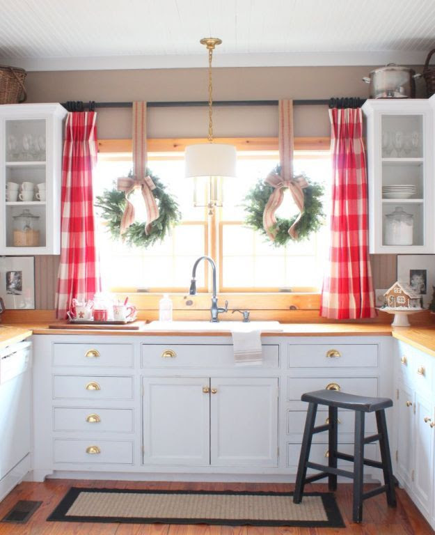 Windows Decked Out For The Holidays – Part 3 of 3 | Window Designs ...