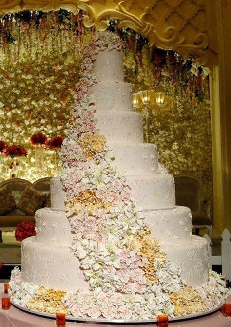 7 tiers Wedding Cake by LeNovelle Cake   Bridestory.com