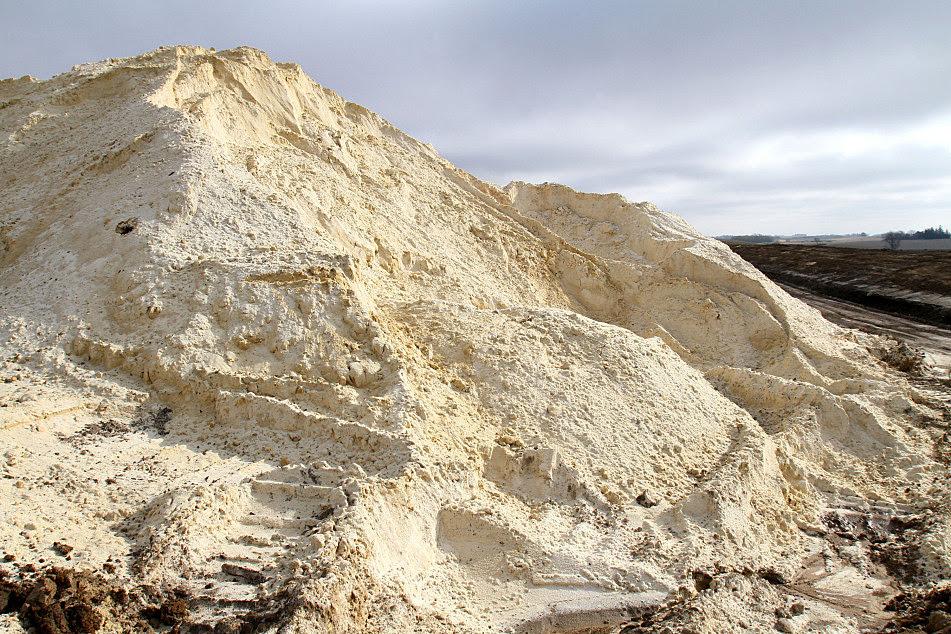 http://minnesota.publicradio.org/display/web/2013/11/11/photos/nisbit-mining-site-saratoga-township?refid=0