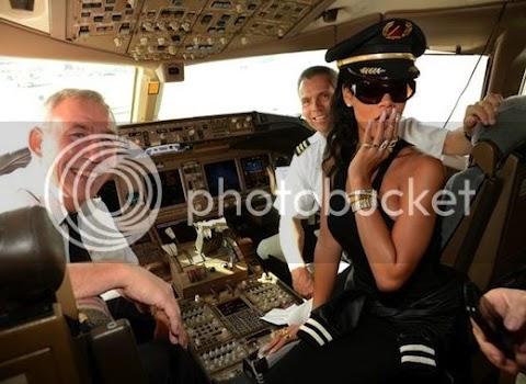 partono la rihanna airlines e il 777 tour mentre unapologetic è leakato